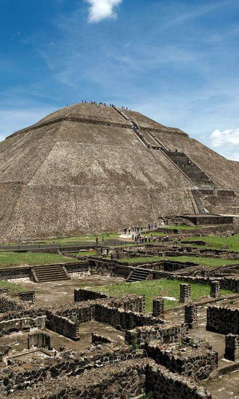 The Pyramid Of The Sun In Teotihuacanthe World S Third Largest Pyramid Mexico Inspiring Architecture In 2019 Mexico Travel Teotihuacan Wonders Of The World