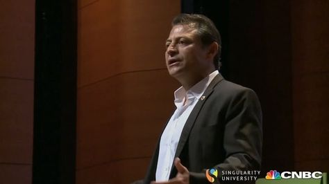 994890cfe1 Singularity University Co-Founder Peter Diamandis shared his theory of the 6  D s of Exponentials  Digitalization
