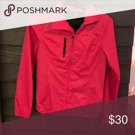 H&M Sport Raincoat US Size 4 NEW H&M Sport Raincoat US Size 4 NEW $25 H&M Jackets & Coats