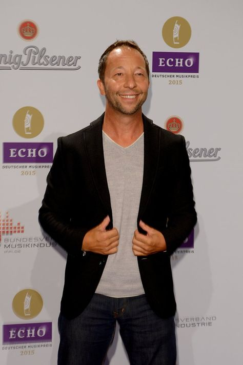 Pin for Later: Seht alle Stars beim Echo! DJ Bobo