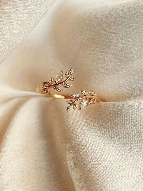 Gold Rings Jewelry, Cute Jewelry, Wedding Jewelry, Diamond Jewelry, Wedding Rings, Women's Jewelry, Jewelry Stores, Diamond Rings, Jewellery Box