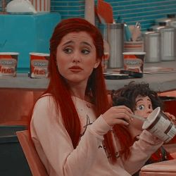 Ariana Grande Cat, Ariana Grande Fotos, Sam E Cat, Victorious Nickelodeon, Icons Girls, Victorious Cast, Cat Valentine Victorious, Cat Icon, Cat Aesthetic