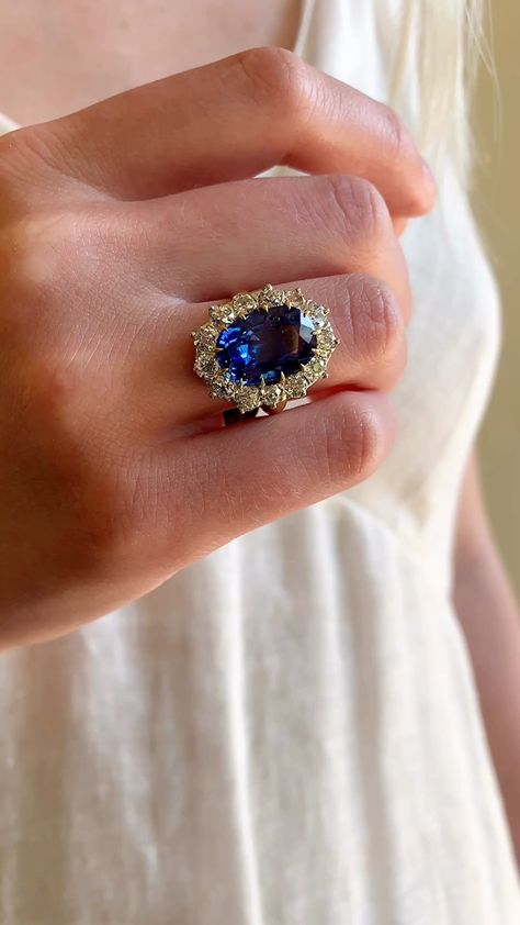 ANTIQUE VICTORIAN SAPPHIRE AND DIAMOND RING | Erstwhile