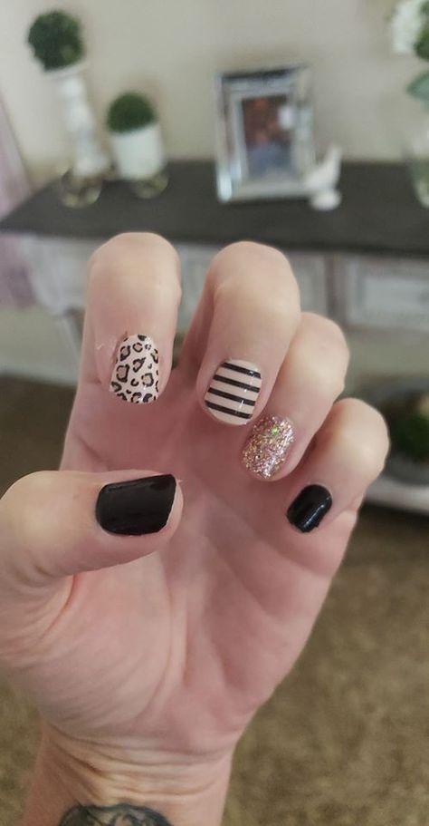 Sassy Nails, Cute Nails, Pretty Nails, Nail Color Combos, Nail Colors, Manhattan, Nail Polish Strips, Light Nail Polish, Nail Polish Trends