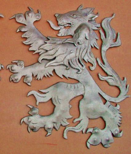 Scottish Fighting Lion Left Face Repousse Plaque Shield Crest