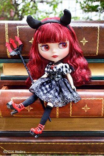 Takara Blythe Doll Stand-Red