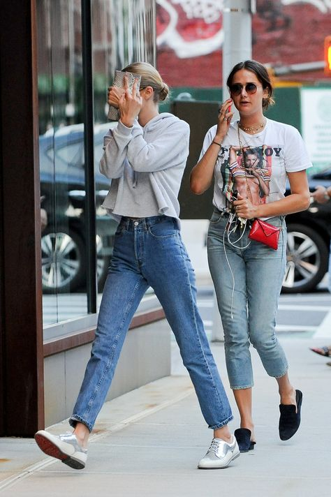 July 16: Gigi hadid and Mimi Cuttrell arriving at gigi´s apartment in NYC