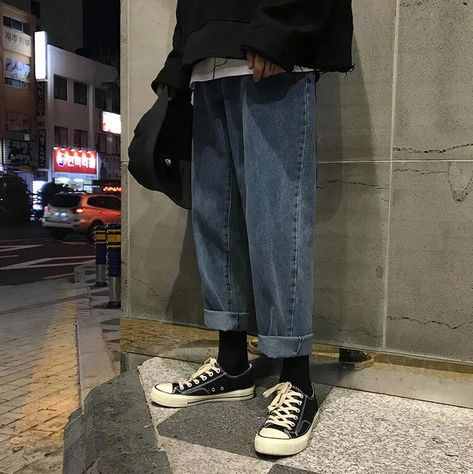 mens Jeans – High Fashion For Men Retro Outfits, Vintage Outfits, Fashion Pants, Fashion Outfits, Loose Fit Jeans, Jean Straight, Retro Men, Streetwear Fashion, Aesthetic Clothes