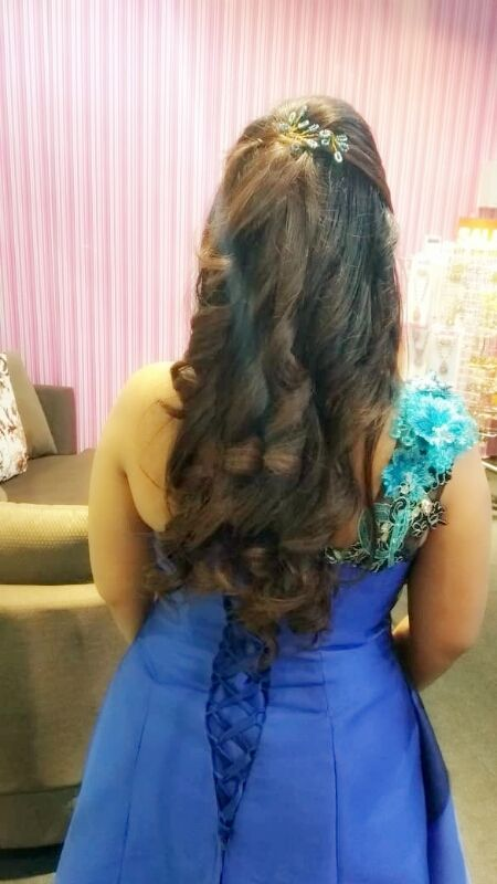 Temporary Curls Curled Hairstyles Party Hairstyles Hair Setting