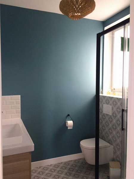 Bleu Petrole En Deco Les Meilleures Associations De Couleurs Bleu Petrole Deco Toilettes Fauteuil Bleu Petrole