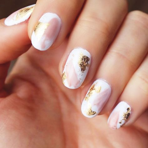 Nail foil is that special ingredient that makes your nail art look individual not to mention that it is incredibly easy to use. That is why today we are going to share with you some fresh and intricate foil nail art designs. We hope you enjoy!