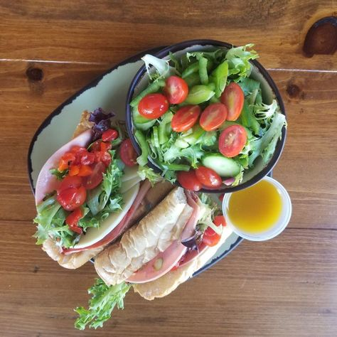 #food #sandwich #healthy #yummy #foodblogger #blogger #foodstyling #napolis #dinners #dinner #dinnertime🍴 #dinnertable #dinnerwithaview #vegetable #heirloomvegetables #vegetablefood #vegetablelover #vegetablecurry #deliciouse #deliciouso #delicious #burbank #california #shermanoaks #napolispizzakitchen #napolispizza