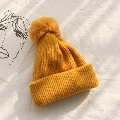 90057d4e Pin by 𝓀𝒶𝑒𝓁𝓎𝓃 on style in 2019 | Knitted hats, Yellow beanie ...