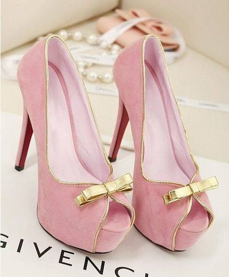 Pink and gold open toed pumps