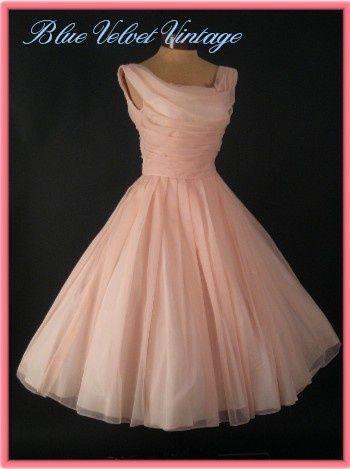 Boy I love this dress!