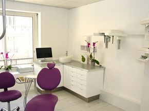 Meuble En L Et Vasque Au Centre Thoracique Decoracao De Consultorios Consultorio Odontologico Decoracao Do Consultorio Odontologico