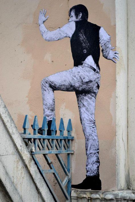 パリにこっそり住んでる「紙の人々」がドキッと楽しくてニヤニヤしちゃう