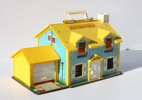 22 Vintage LP Playsets you wish you still had from BuzzFeed.  This Yellow Family House is largely responsible for my love of yellow farm houses.