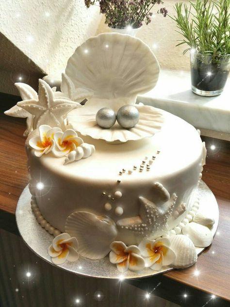 Gâteau de Mariage sur le Thème de la Plage