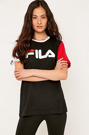 Fila Massa Boyfriend T-shirt - Urban Outfitters Stærð M