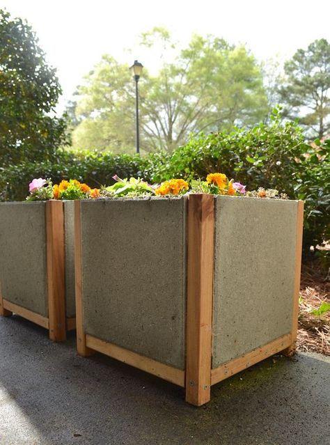 Build A Paver Planter The Easy Way Diy Planters Outdoor Diy Concrete Planters Concrete Garden