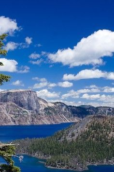 Crater Lake National Park has always attracted wonder and admiration of people world-wide.