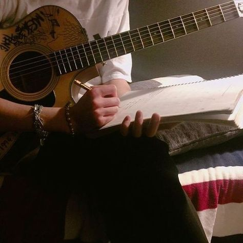 guitarist January 25 2020 at Music Aesthetic, Aesthetic Photo, Aesthetic Pictures, Mode Turban, My Vibe, Ukulele, Aesthetic Wallpapers, Songs, Band