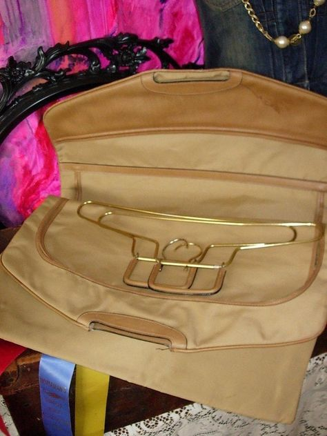 37ff720e87a49 RARE Vintage GUCCI GARMENT BAG Hangers TOTE Luggage Travel Suitcase Keepall  GG  GUCCI  GarmentBAg