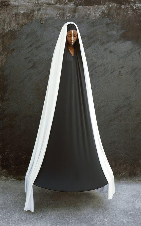 Maïmouna Guerresi's Mystical Portraiture