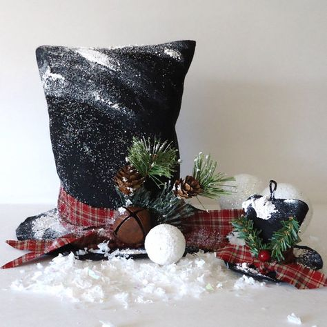 Instant E Pattern Frosty Snow Man Hat by RaggedyRee on Etsy, 5.50