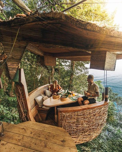 Breakfast view in Thailand. Lets get lost here 😍 Wow! #timeouthomes Tag someone who needs a vacay asap 🏕 Photo by @leaguetravels