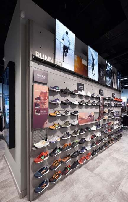 Trendy Sport Shoes Display Retail Interior Ideas Store Design Interior Retail Interior Ideas Shoe Store Design