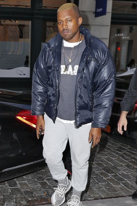 Kanye West spotted out in New York in an awesome outfit