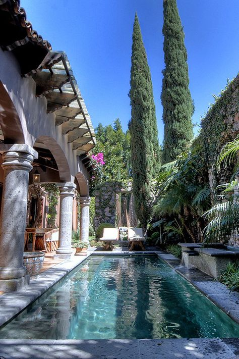 Beautiful Homes, Beautiful Places, Moderne Pools, Luxury Pools, Dream Pools, Photos Voyages, Travel Aesthetic, Water Features, Dream Vacations