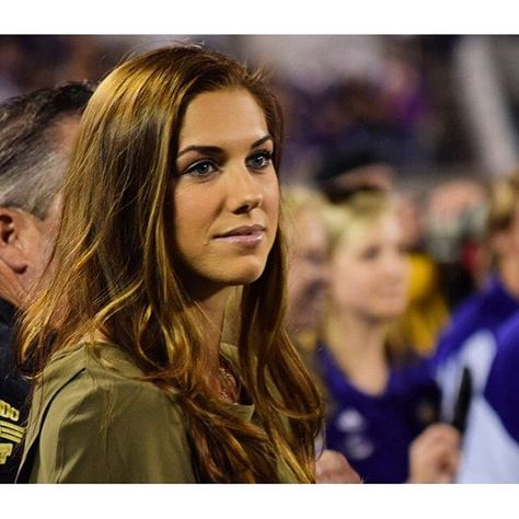 @orlpride and @ussoccer_wnt superstar @alexmorgan13 was the honorary guest for last night's coin toss for #ORLvCHI.