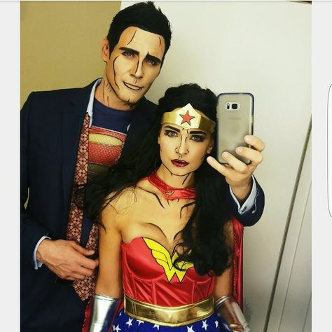 Wonder Woman and Superman couples Halloween costumes and Halloween makeup -IG @spodolak7 @joekellyphoto #CoupleCostumes