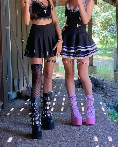 Edgy Outfits, Grunge Outfits, Pretty Outfits, Cool Outfits, Fashion Outfits, Emo Fashion, Rock Style, My Style, Alternative Outfits