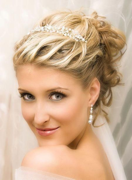 52 Trendy Ideas For Wedding Hairstyles Updo With Headband Tiaras Veils In 2020 Short Wedding Hair Hair Styles 2014 Short Hair Styles 2014