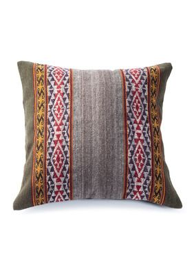 Intriguing Accents For Sofa Or Bed The Pillows Are Handwoven In The Andes Of Wool 90 And Alpaca 10 In Traditional Andea Throw Pillows Pillows Floral Rug