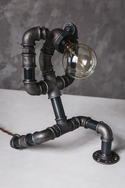 Wrought Iron Rustic Pipe Designed Metal Table Lamp with 3 Light