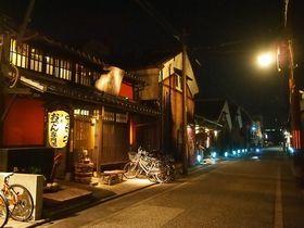 ライトアップや灯ろう流しも 京都 伏見 夜の観光 のすすめ Travel Guide 旅行ガイド 旅行 京都 伏見