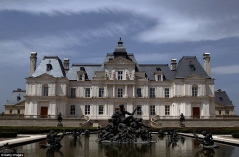 Multi-millionaire builds exact replica of famous French chateau for $50million... in Beijing