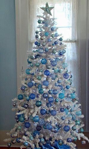 50 Ethereal White Christmas Tree Decoration Ideas That Are Hard To Resist White Christmas Trees White Christmas Tree Decorations Blue Christmas Decor