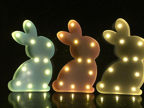"9/"" White Metal Light Up Happy Easter Bunny//Rabbit Nursery Light Battery Operated"