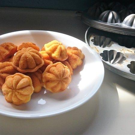 Kueh Bolu Kueh Bahulu Recipe Recipes Easy Food To Make Bolu