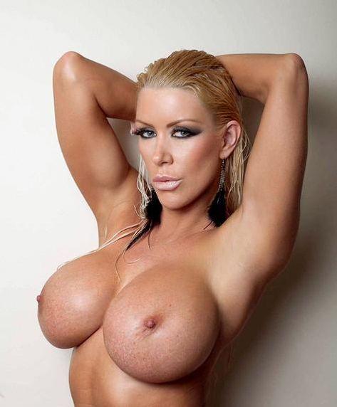 Amazon naked tania