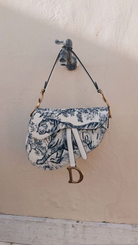 Shop Fashion for Women - Farfetch Listed in the be of Christian Dior Saddle bags Popular Handbags, Cute Handbags, Cheap Handbags, Purses And Handbags, Handbags Online, Hobo Handbags, Leather Handbags, Spring Handbags, Latest Handbags