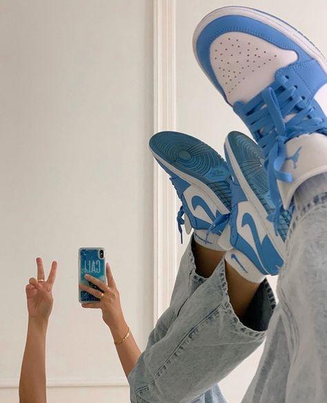 Jordan Shoes Girls, Girls Shoes, Cute Sneakers, Shoes Sneakers, Sneakers Mode, Sneaker Heels, Sneakers Fashion, Fashion Shoes, Sneaker Outfits