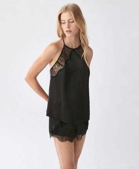 Halter neck sateen t-shirt - New In - Autumn Winter 2016 trends in women fashion at Oysho online. Lingerie, pyjamas, sportswear, shoes, accessories, body shapers, beachwear and swimsuits & bikinis.
