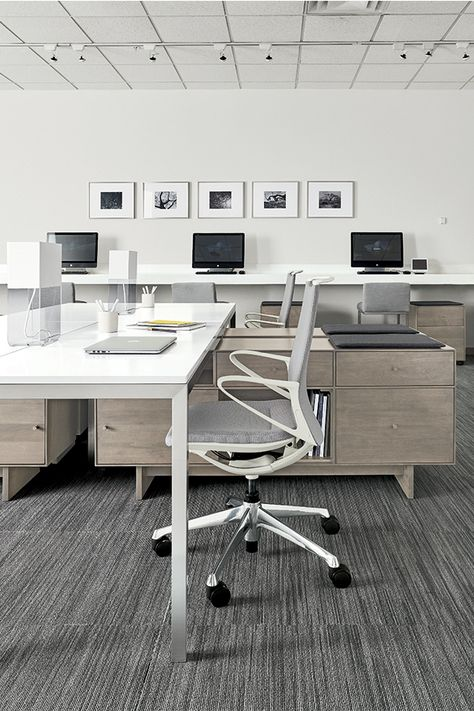From a single workstation to filling an entire office, our benching systems make it easy to get a modern look with functionality.